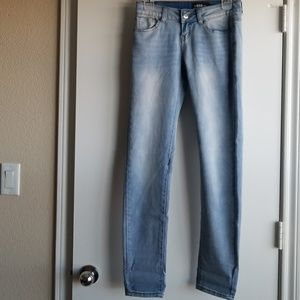 Gogo Lite wash jeans. Soft and stretchy